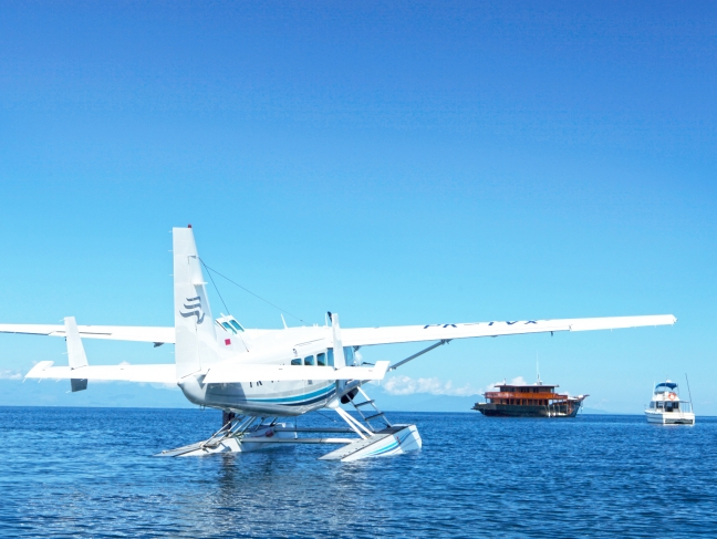 43p-amanwana,-indonesia--–-boats-and-floatplane_office_1654