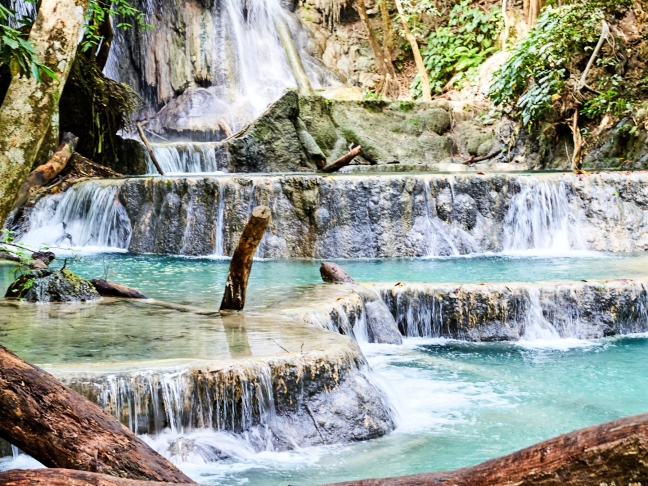 43p-amanwana,-indonesia--–-waterfall-excursion_office_14366